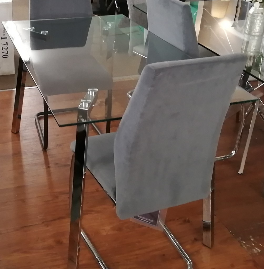 ifdc-5065-table-flash-decor